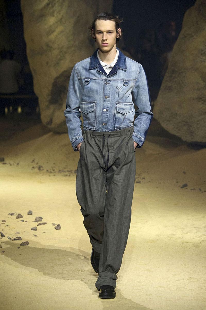 Un giubbotto di jeans come giacca visto da Kenzo, Photo courtesy of Kenzo