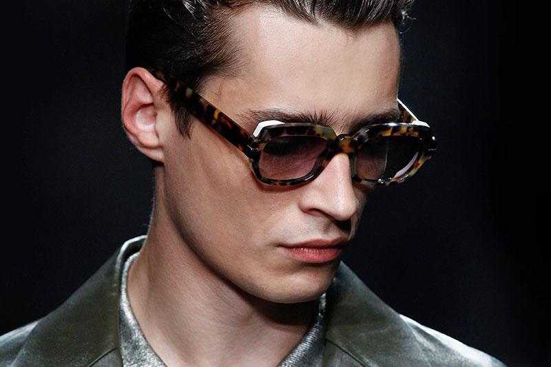 negozio online 856f3 83704 Tendenze occhiali da sole estate 2016. Oversize, tondi, nerdy ...