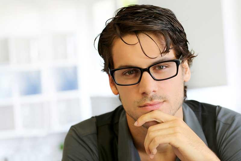 Cura dei capelli lunghi per l'uomo, consigli - ADVERSUS ITALIA