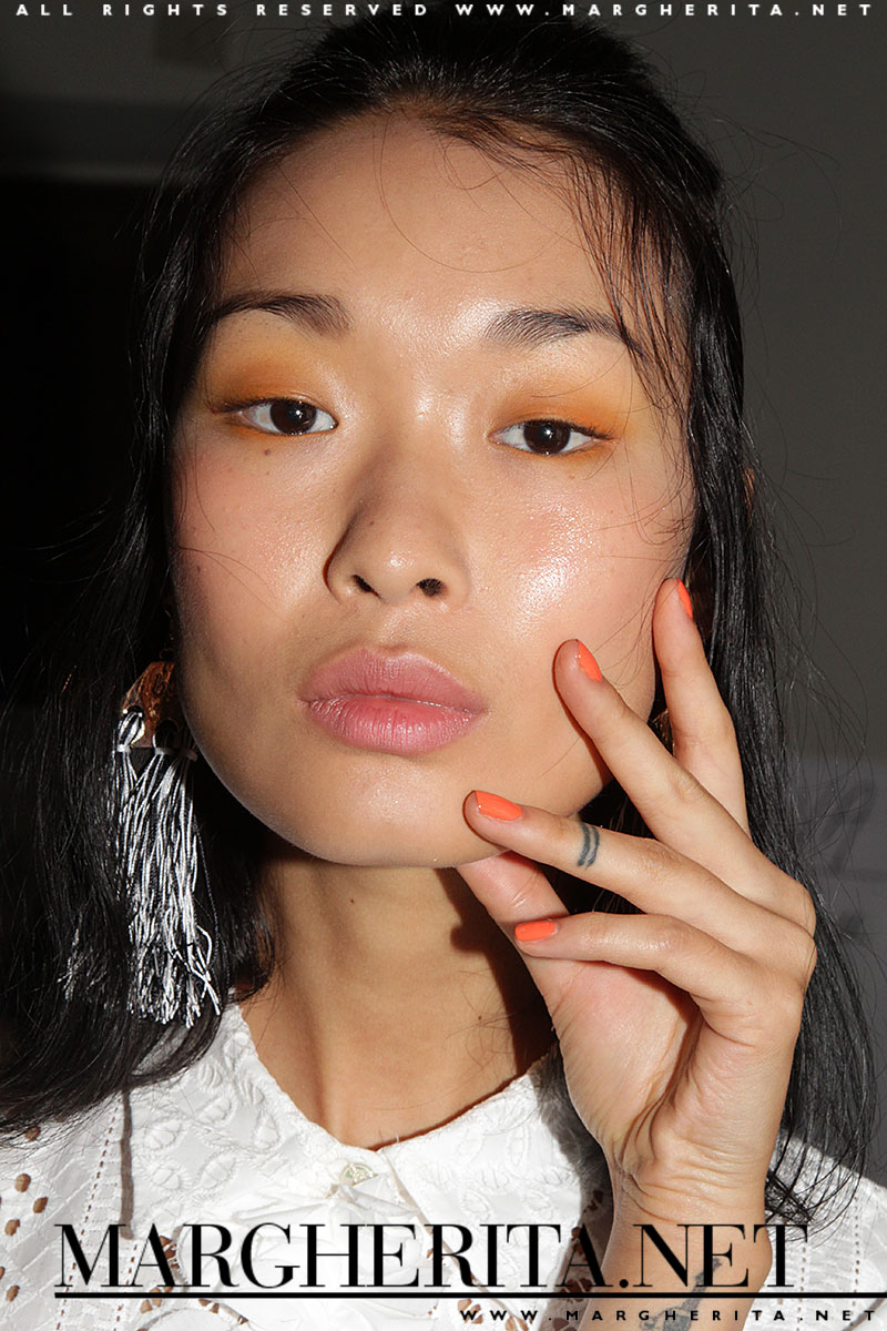 Blugirl primavera estate 2017, make-up: Michele Magnani @M.A.C., ph. Charlotte Mesman