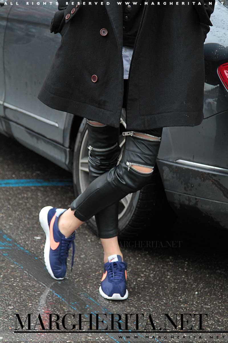 Streetstyle. Pantaloni in pelle