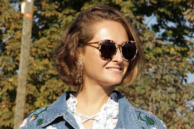 Taglio di capelli corto per donne classiche