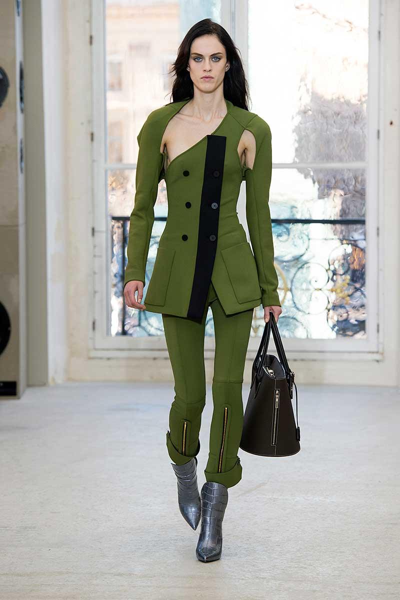 Il verde con il nero. Photo: courtesy of Louis Vuitton