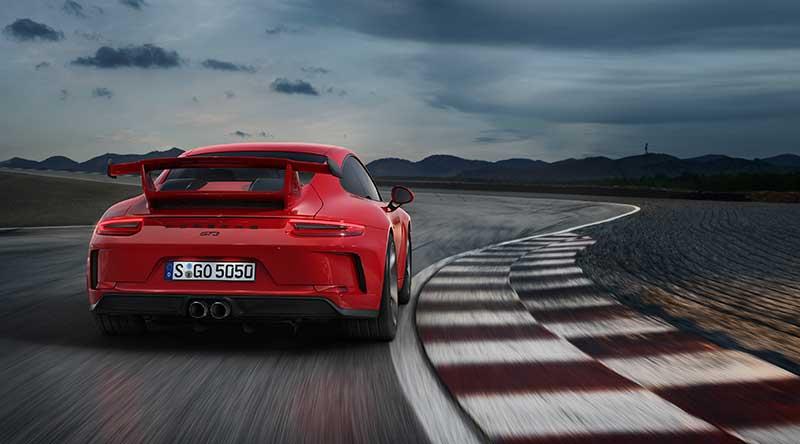 Una 911 per l'impiego su strada e in pista: la nuova Porsche 911 GT3
