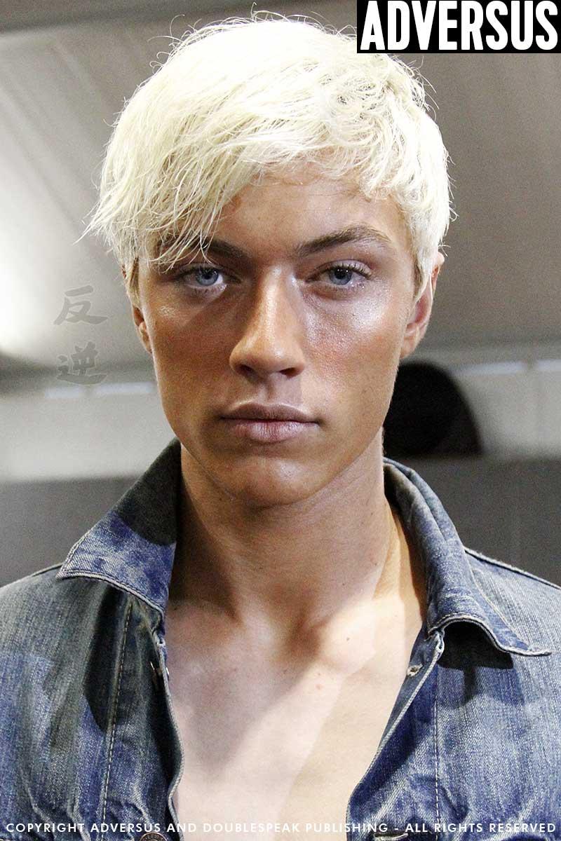 Tendenze colore capelli 2017. I capelli biondissimi (o bianchi) sono il  trend del momento 0badf0c8681f