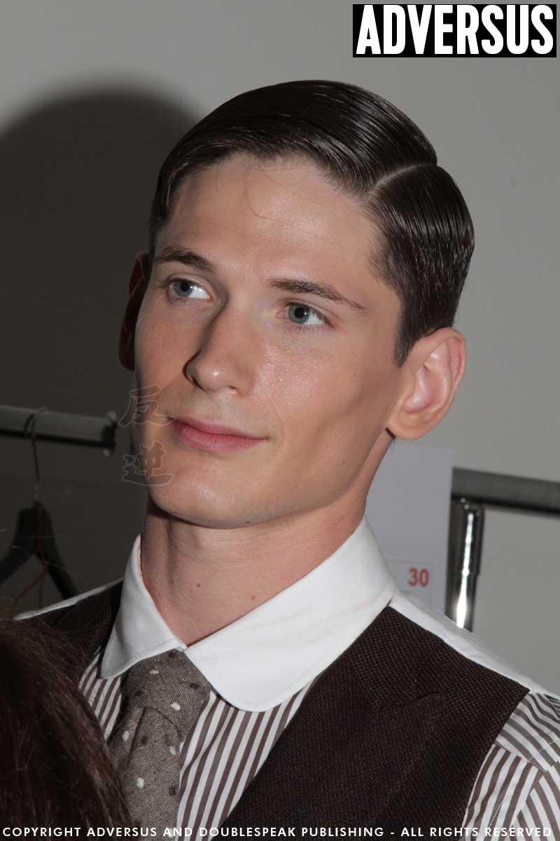 Foto tagli capelli uomo 2018 - Backstage Daks - Foto Charlotte Mesman