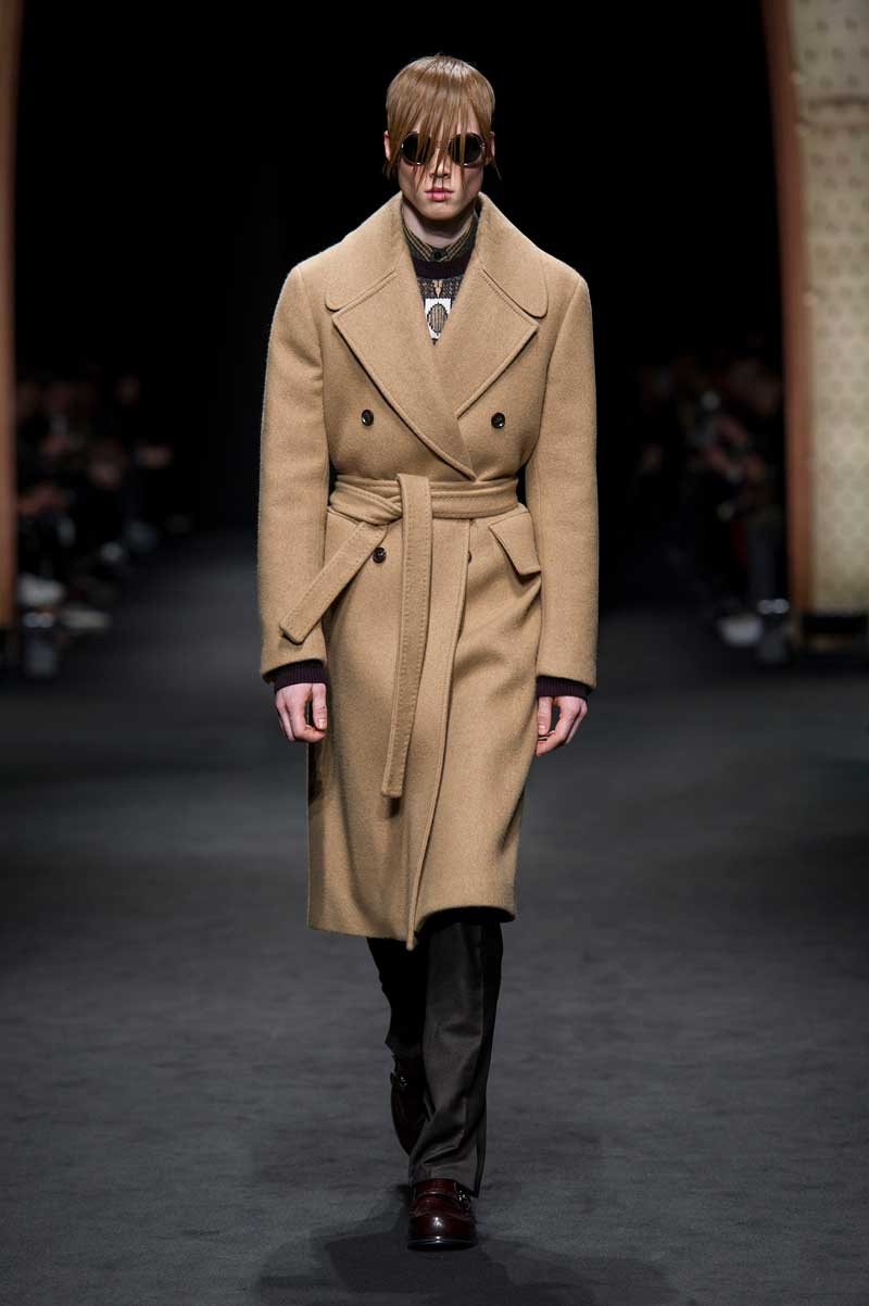 Sfilata Versace Moda Uomo Autunno Inverno 2017 2018