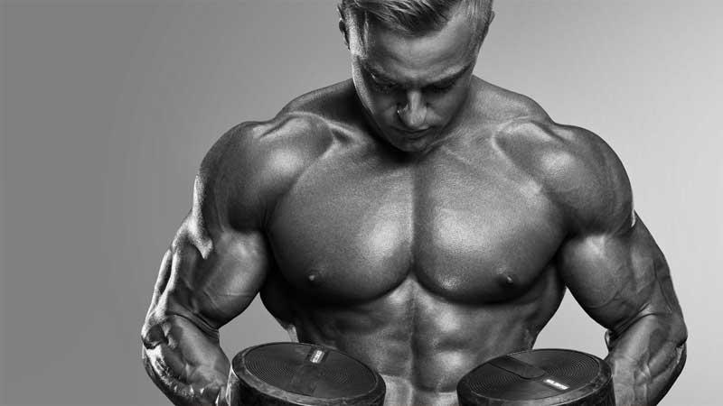 Allenamento dei deltoidi. Spalle larghe e muscolose? Ecco gli esercizi per allenare le spalle