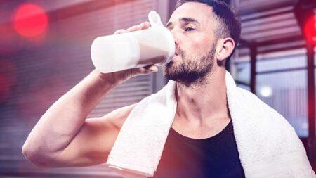 Integratori: proteine in polvere, creatina, vitamine e minerali. Servono o no?
