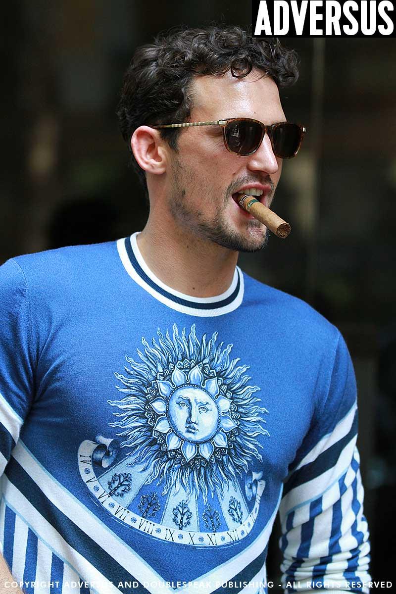 Street style uomo 2018. 4 Look di moda da copiare subito. Modello: Sam Webb, ph. Mauro Pilotto