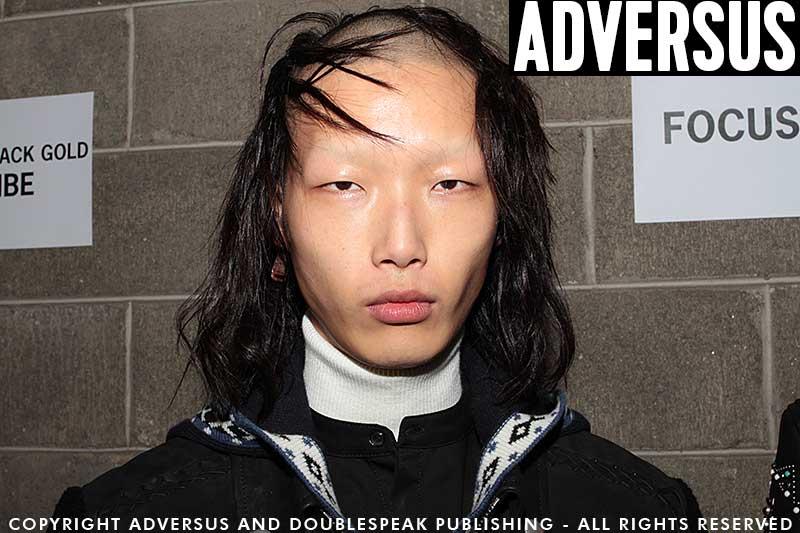 Tagli capelli uomo visti da Diesel Balck Gold - Foto Charlotte Mesman