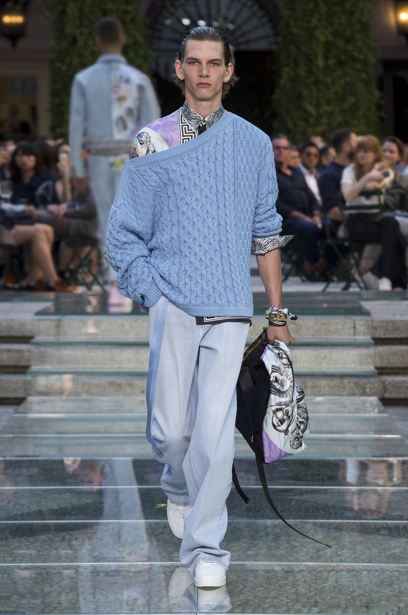 Versace PE 2018, photo: courtesy of Versace