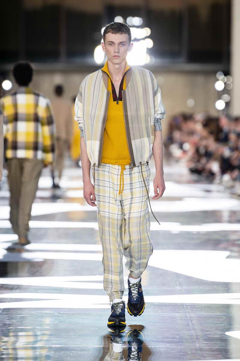 Le nuove tendenze moda uomo 2019. Tendenze moda uomo su ADVERSUS 5d781acd4de