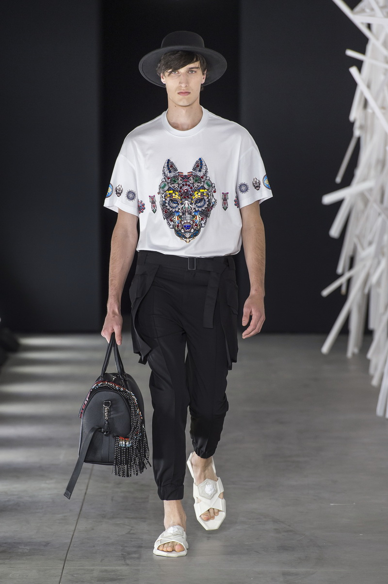 Wolf Totem estate 2019