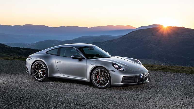 La nuova Porsche 911: più potente, più veloce, digitale