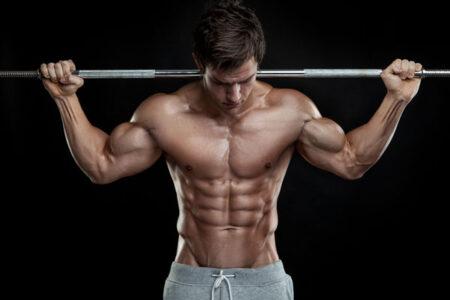 Come allenare le spalle. Esercizi e tecniche di allenamento per le spalle