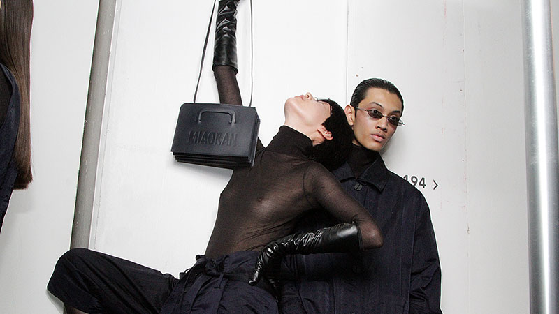 Backstage alle sfilate uomo della Milan Fashion Week autunno inverno 2019 2020. Foto: Charlotte Mesman