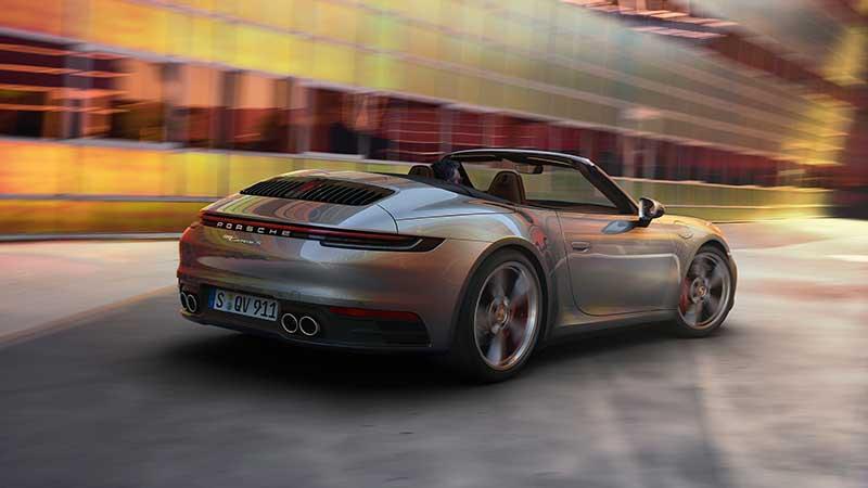 E' tutto pronto per la stagione delle vetture scoperte: la nuova 911 Cabriolet