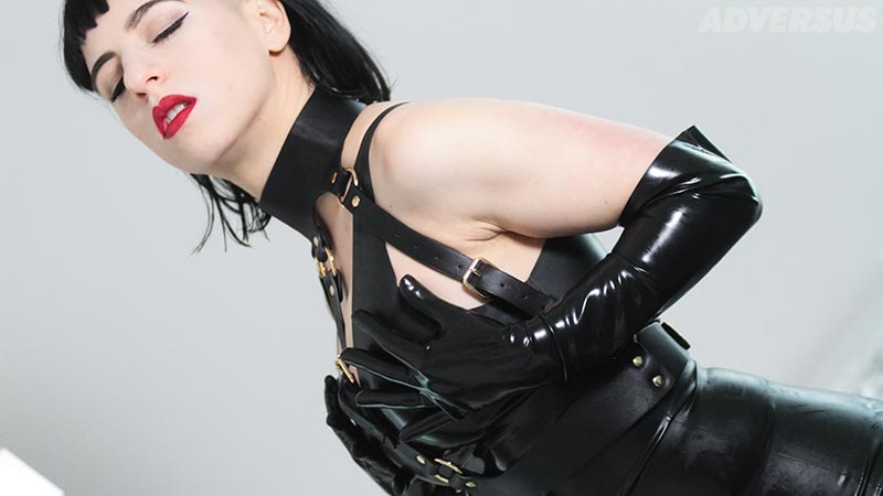 Arazatah Domina - Photo ADVERSUS