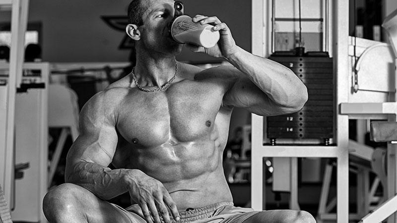 Proteine per chi si allena in palestra. Come fare, come usarle