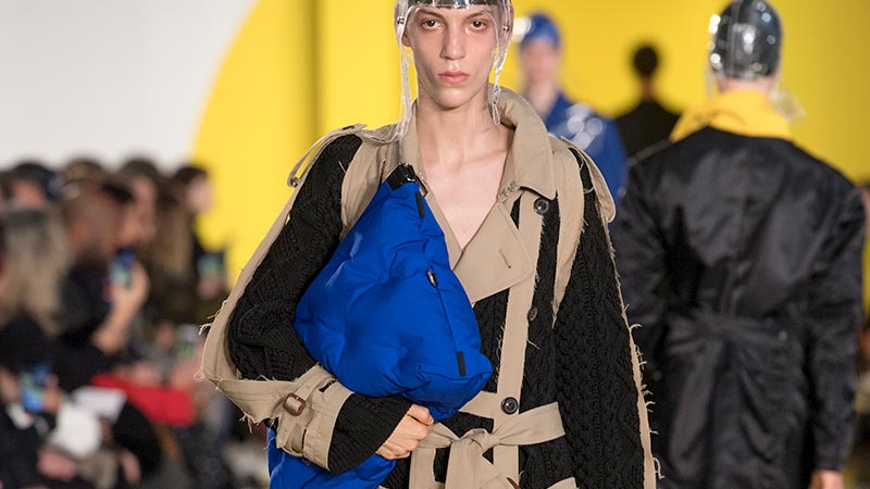 Accessori moda uomo estate 2019. Fashion show: Maison Margiela. Foto: courtesy of Maison Margiela