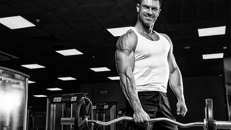 Allenarsi per aumentare la massa muscolare