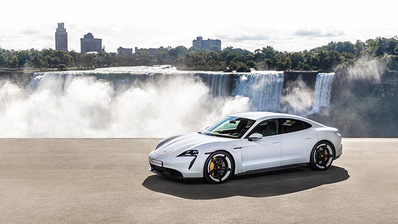 Porsche Taycan: una sportiva ripensata all'insegna della sostenibilità