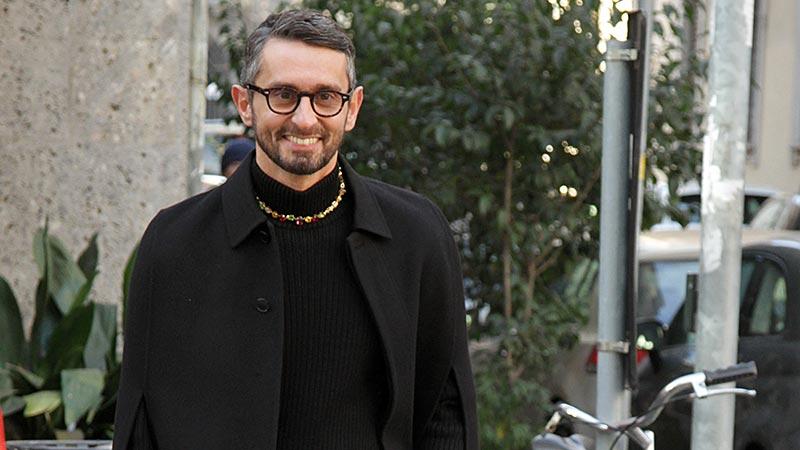 Street style moda uomo inverno 2019 2020. La moda uomo è total black (o quasi)