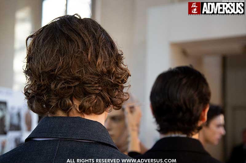 Le nuove tendenze tagli di capelli per l'uomo 2020. Fashion show: Salvatore Ferragamo. Foto: Charlotte Mesman