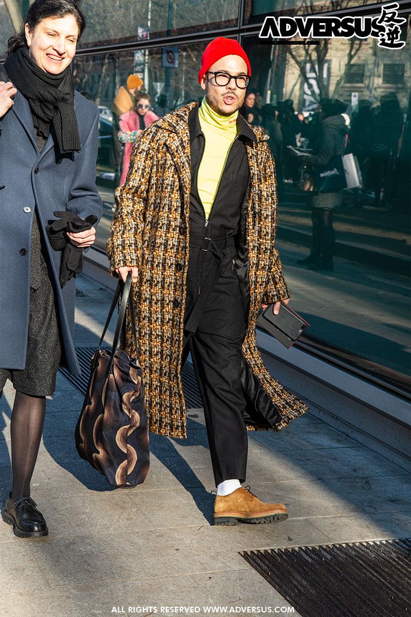 Modern clochard no grazie... - moda street style uomo Milano - Foto Charlotte Mesman