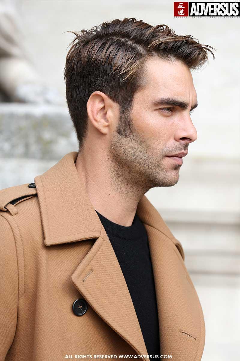 Tendenze tagli di capelli uomo. Ecco il taglio di capelli di Jon Kortajarena in linea con le tendenze capelli 2020. Foto: Mauro Pilotto