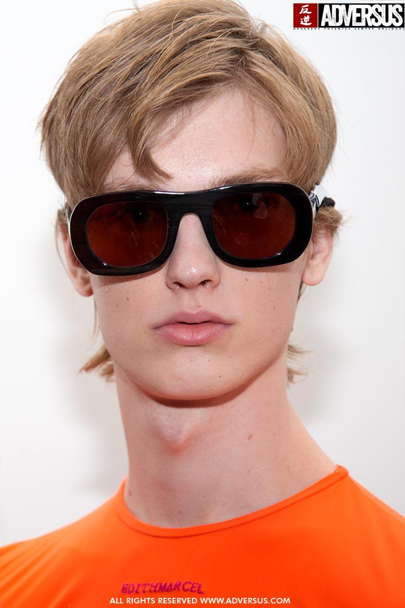 Foto tendenze tagli di capelli uomo primavera estate 2020. Sfilata: Edithmarcel. Foto: Charlotte Mesman