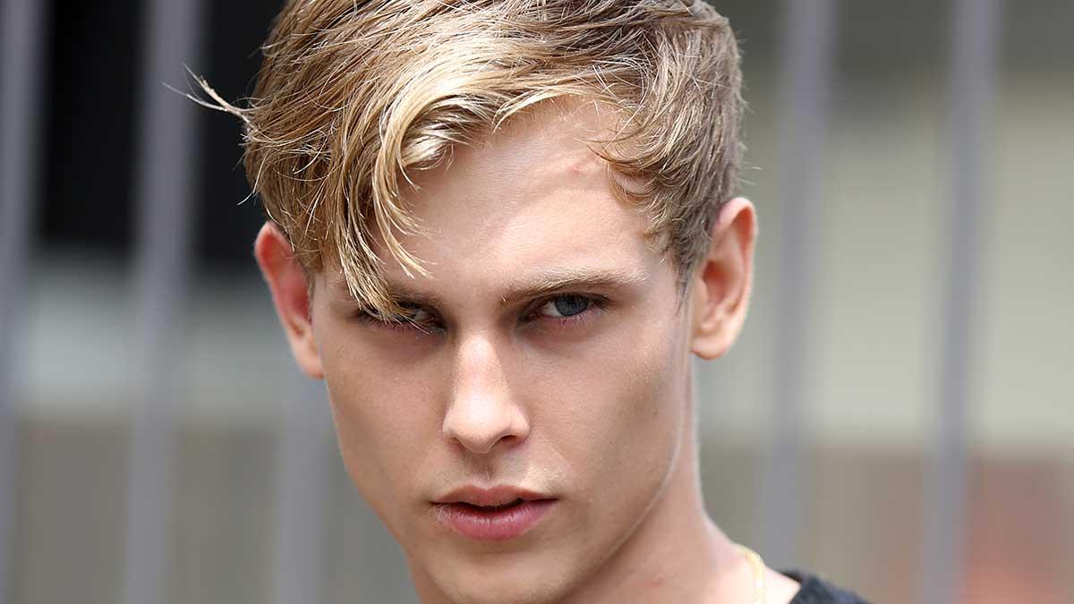 Un taglio di capelli corto super trendy ecco come fare. Tendenze tagli di capelli uomo 2020 - Foto Mauro Pilotto