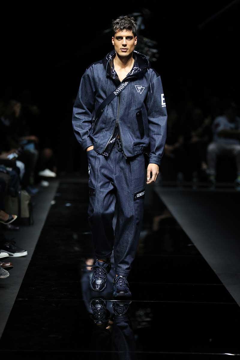 Tendenze moda estate 2020 - Double denim - Sfilata Emporio Armani Estate 2020