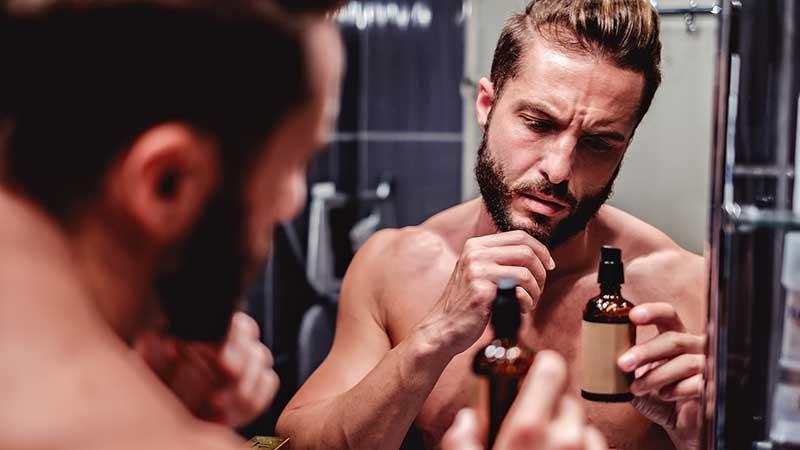 La barba, come curarla, come spuntarla, come mantenerla. I consigli di Nickolas Piazza di Toni&Guy