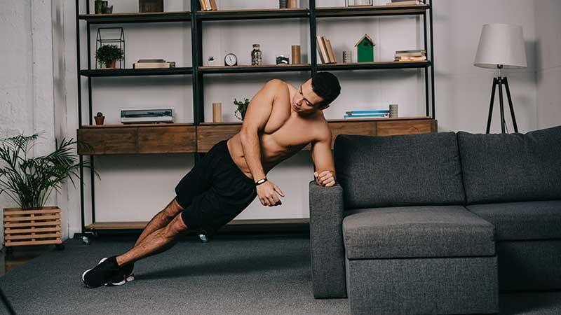 Allenarsi a casa. Rimettersi in forma, o mantenere la forma fisica in periodo di 'reclusione forzata'. I consigli di Altin Picari, Personal Trainer