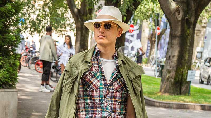 Tendenza moda uomo estate 2020 - Cappello per lui - Foto Charlotte Mesman
