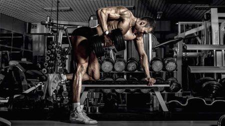 Allenare i muscoli della schiena a casa