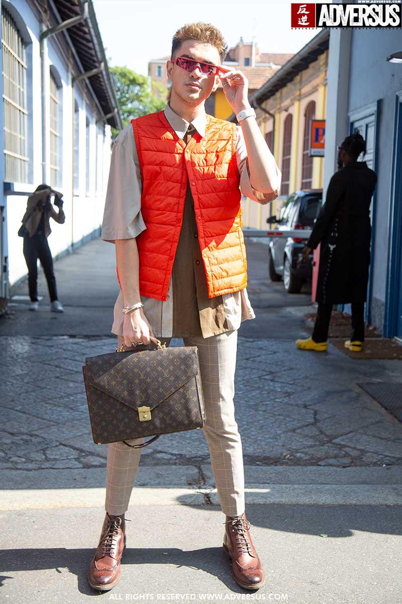 Moda uomo street style estate 2020. 2 look alla moda, nuove idee da copiare subito - Foto Charlotte Mesman