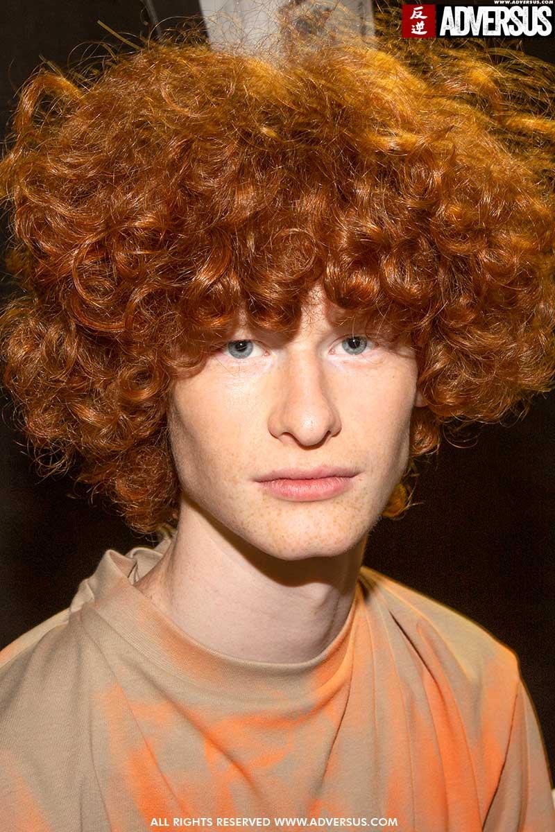 Tendenze capelli uomo, estate 2020. Ecco quanto possono essere lunghi i tuoi ricci - Sfilata Youser Foto Mauro Pilotto