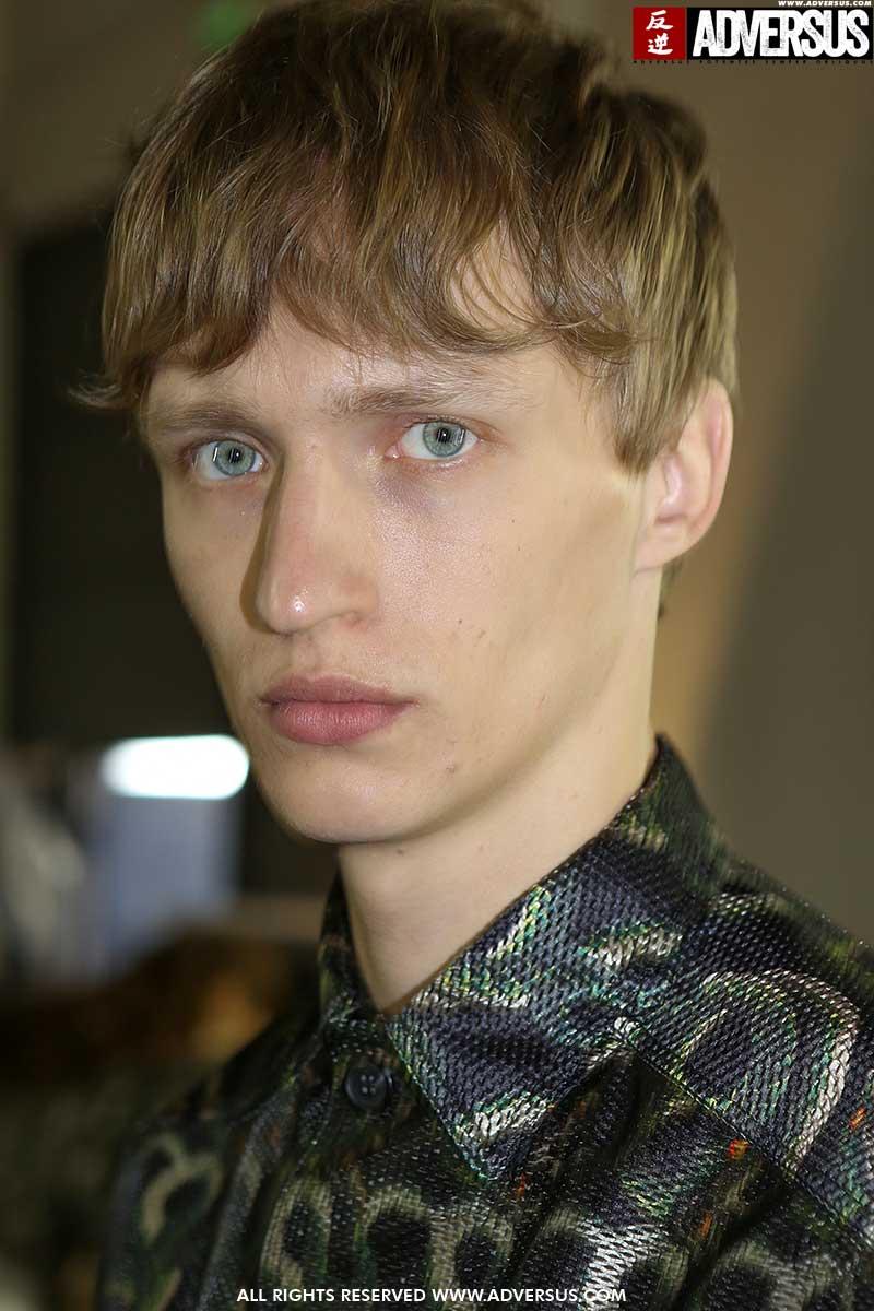 Nuovi trend capelli uomo estate 2020. Ecco i nuovissimi tagli di capelli per lui - Sfilata John Richmond - Foto Mauro Pilotto