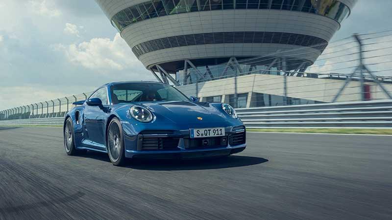 Porsche 911 Turbo: uno standard di riferimento da ben 45 anni