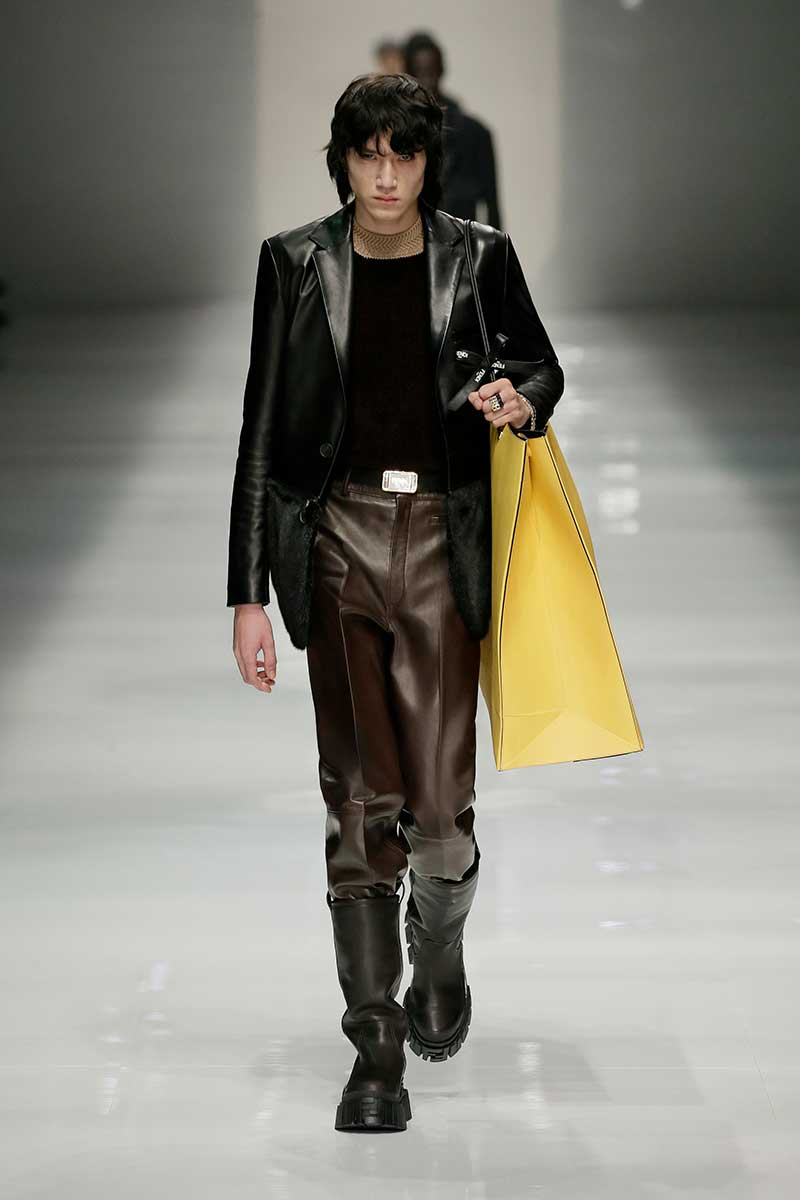 Tendenze moda uomo inverno 2020 2021. 10 tendenze moda uomo molto trendy per la nuova stagione - Photo courtesy of Fendi