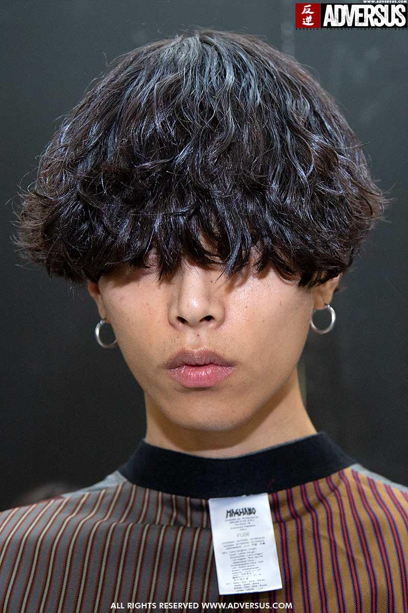 Tagli di capelli uomo inverno 2021. Tagli di capelli strani, o peggio. Ma gli anni Ottanta torneranno davvero? Sfilata: Magliano - Foto: Charlotte Mesman