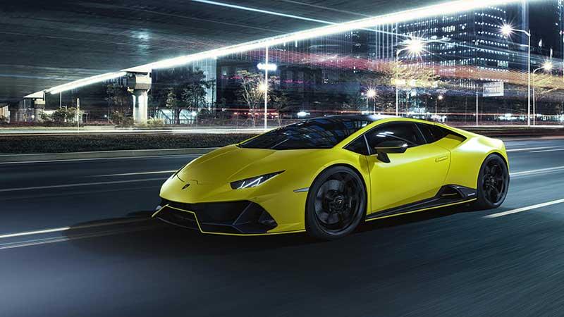 Eleganza e audacia: Automobili Lamborghini presenta la Huracán EVO Fluo Capsule
