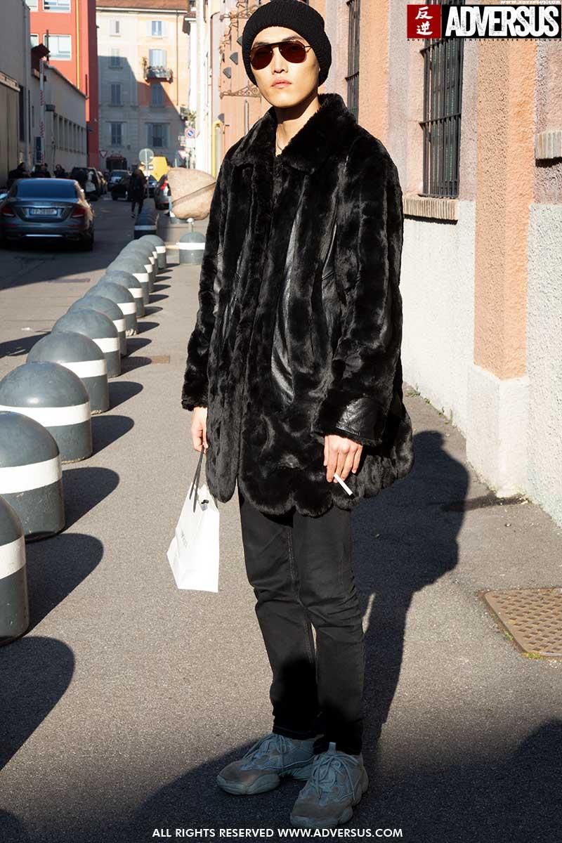 Street style moda uomo inverno 2020 2021.3 stili e 3 idee cappotti invernali. Quale scegli? Foto Charlotte Mesman