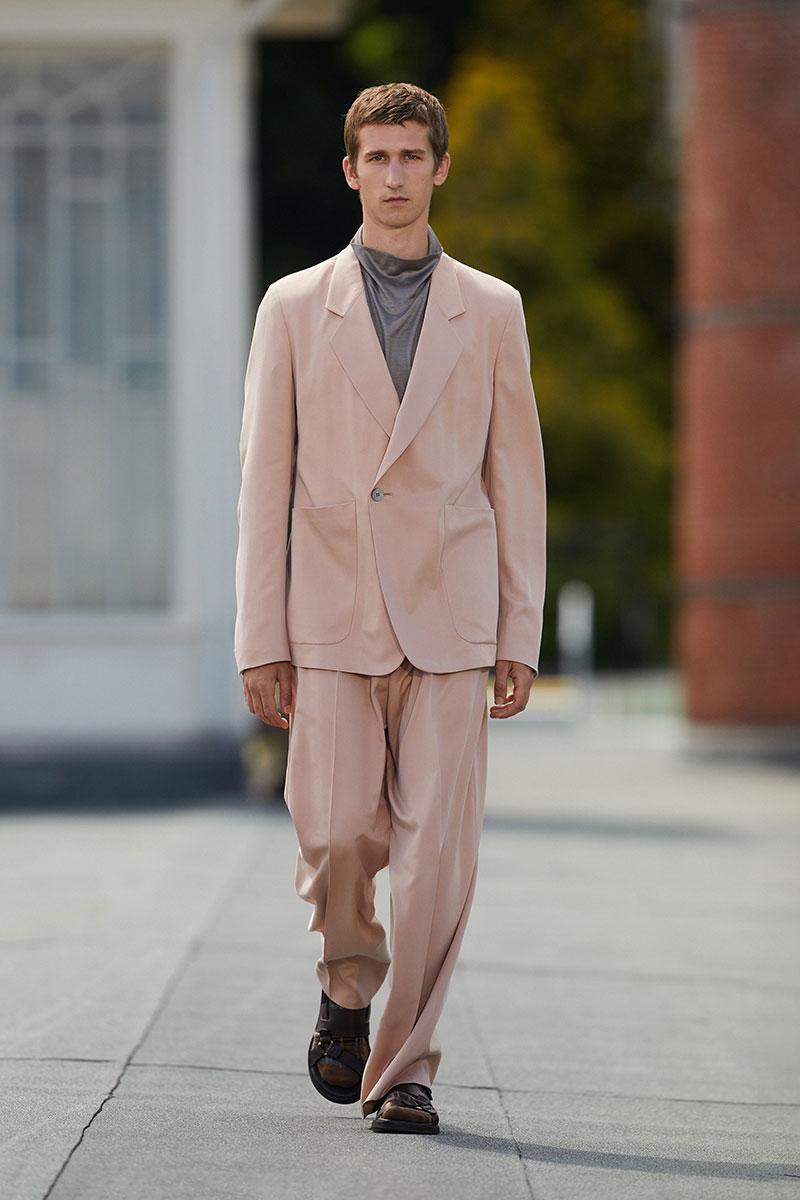 Tendenze moda uomo primavera estate 2021. I colori pastello