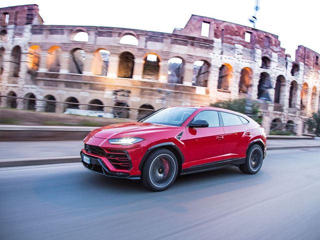 Lamborghini Urus: 6 modalità di guida per godersi il Super SUV in 6 modi diversi