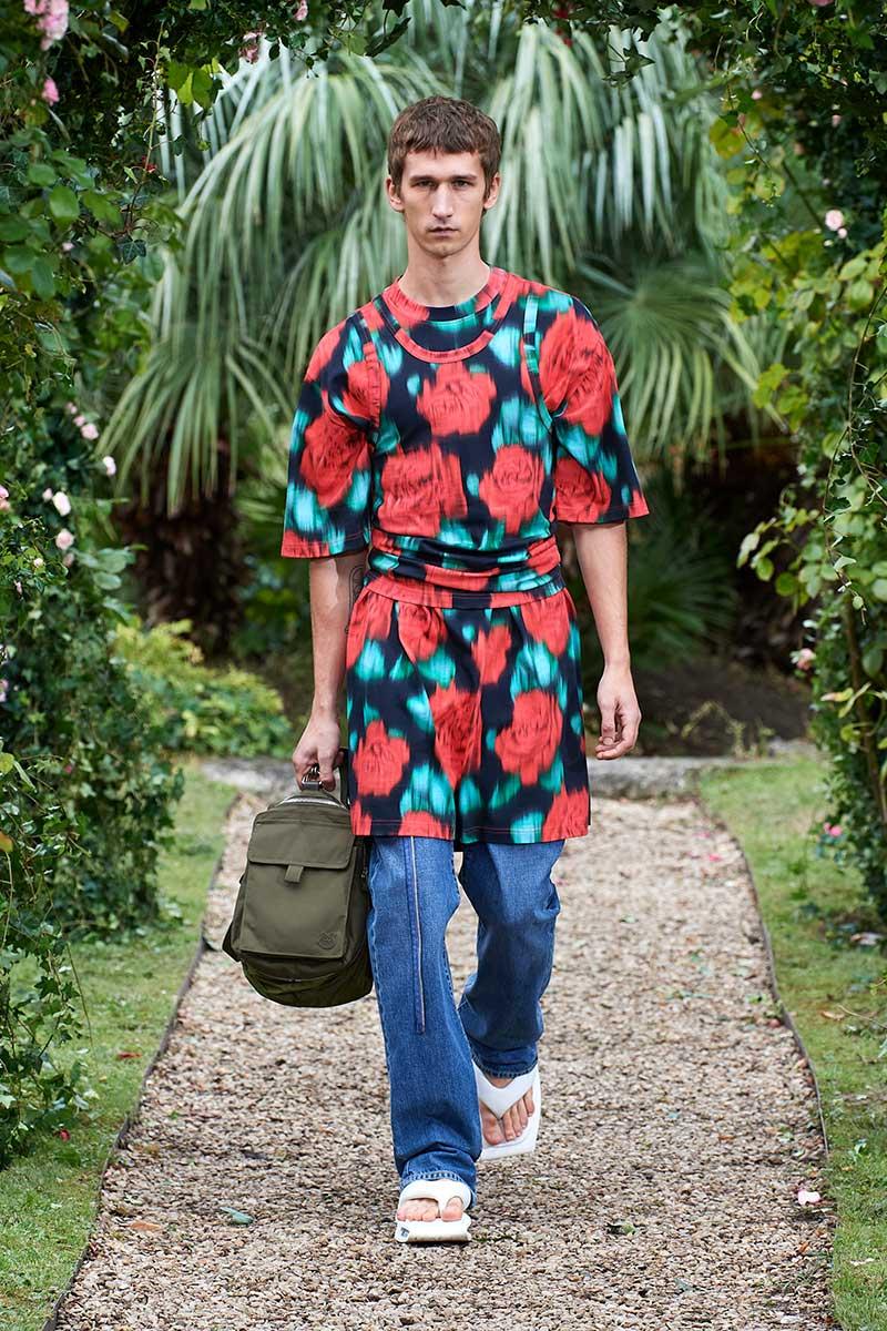 Tendenze moda uomo primavera estate 2021. Ecco i jeans che indosseremo! - Photo: courtesy of Kenzo