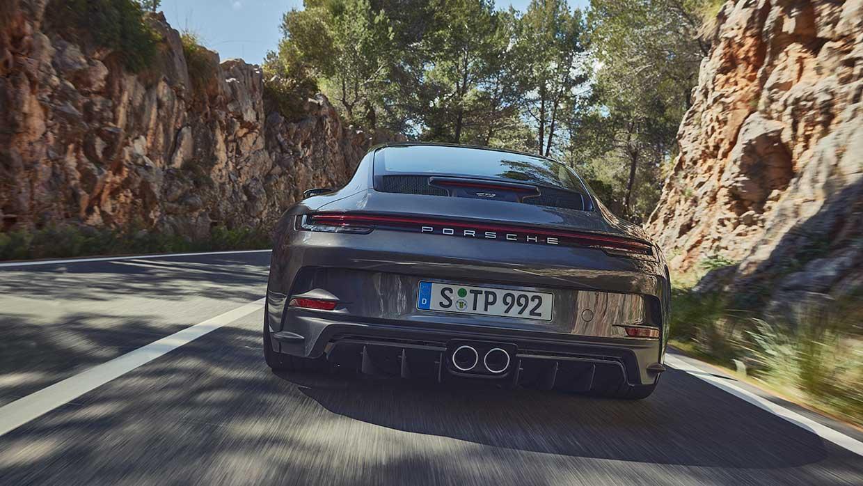 La nuova Porsche 911 GT3 con pacchetto Touring